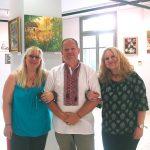 Наши греческие друзья - Анна и Риана - милые, добрые, приветливые руководители галереи-Конференц-центра банка Пиреос в г. Салоники.