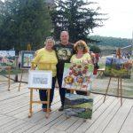 Олег и Ирина Караваевы с художником Наталией Довганюк.