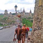 Жители Каменца идут на выставку Портала ))