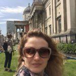 Анна Прохорова возле Нац.галереи Лондона-фото