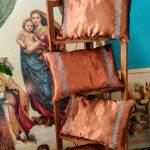 Набір подушок, вишивка хрестом на атласі, муліне peri. Розмір подушки 25х35