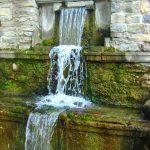 В Парке влюблённых-Водопадик..