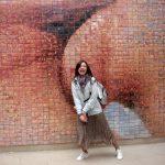 Инсталляция местного художника с Алёной Пелипенко )