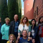 Команда отважных путешественников у Музея Дали1