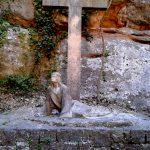 Скульптуры и барельефы монастыря8