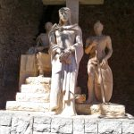 Скульптуры и барельефы монастыря9