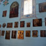 Церковь с иконами2