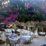 Ресторан под открытым небом-здесь будем кушать 4-6 раз в день))