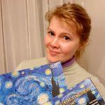Наталия Кухарська с призами-Победитель Конкурса портрета-2 место