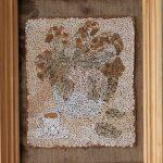 Косик Анастасия, Натюрморт, мозаика из неокрашенной яичной скорлупы, 25х30 2012г.